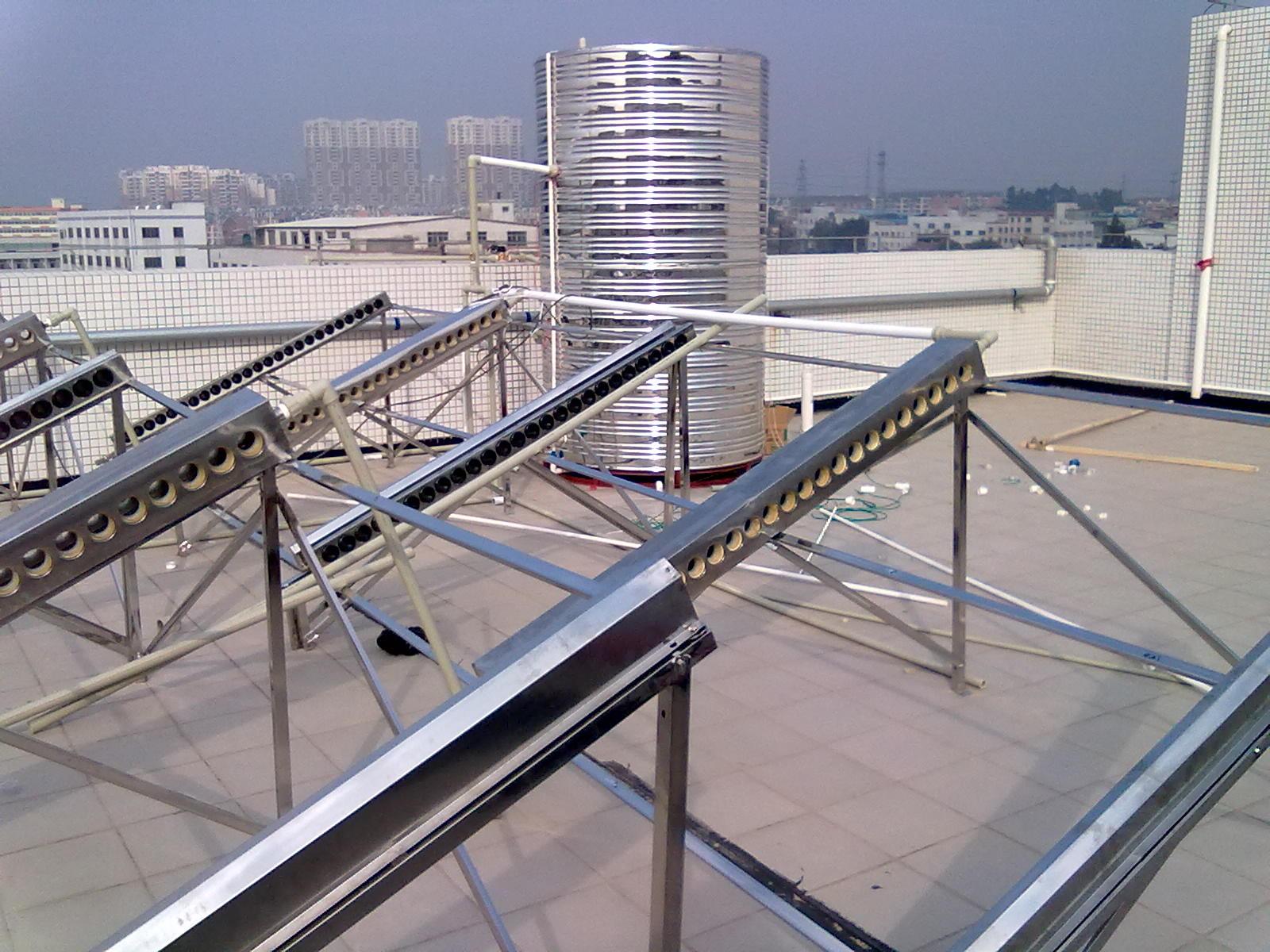 广州渔民新村太阳能热水器施工现场